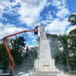 Почистване на партизански паметник гр.Карнобат